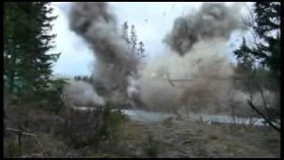 Смотреть онлайн Взрывчаткой взорвали дом