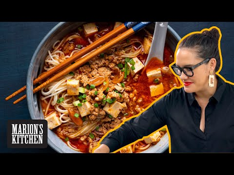 My all-time favourite spicy Chinese noodle soup recipe | Shanghai Hot Sauce Noodles