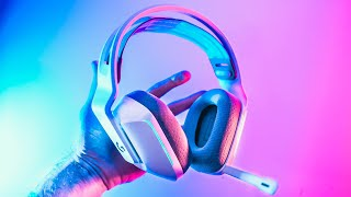 The BEST Wireless RGB Gaming Headset? - Logitech G733 Lightspeed Review