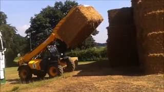 D.E Keeble Straw Bales Carting And Stacking 2016