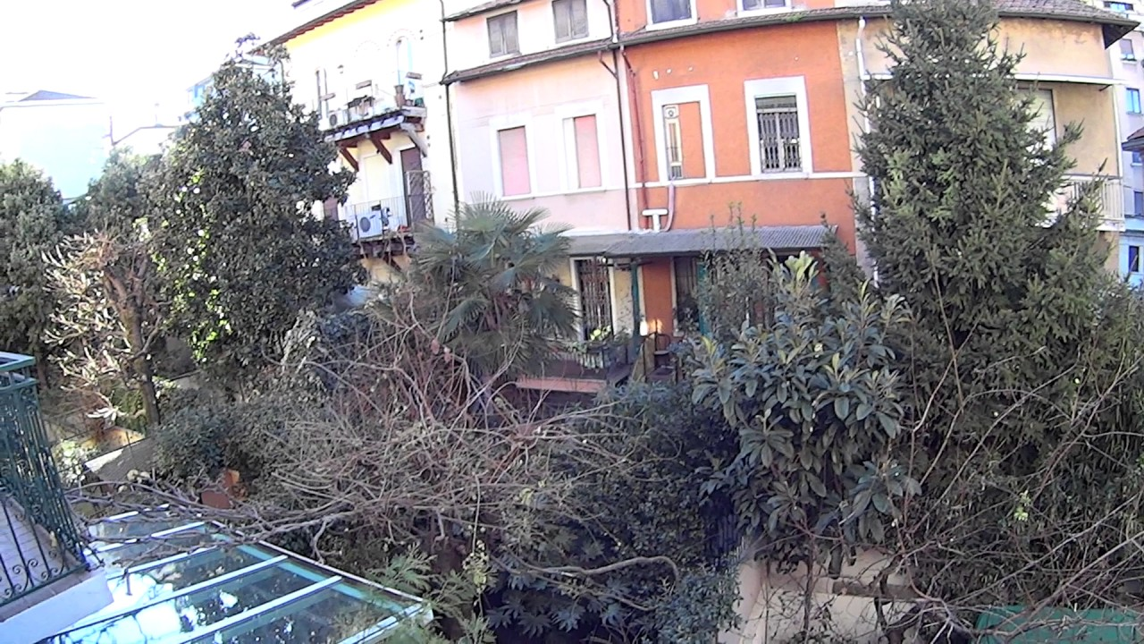 Rooms for rent in 4-bedroom house with private courtyard in Portello