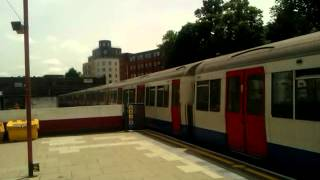 preview picture of video 'Metropolitan line A60/A62 5100/5203 passing Harrow On the Hill Station on 27/6/12 on T717'