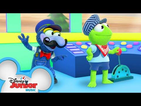 The Muppet Express Music Video 🚆| Muppet Babies | Disney Junior