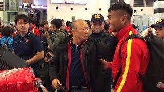 Live đội tuyển U23 Việt nam cùng HLV Park hang seo lên đường sang Hàn Quốc