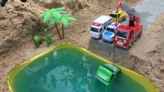 Tayo Truck carrying Gumballs falls into the water. Fire Truck, Ambulance,Police Car rescue Tayo toys