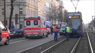 Polizei übersieht Straßenbahn - VU mit Polizei und Straßenbahn in Leipzig am 15.12.2015