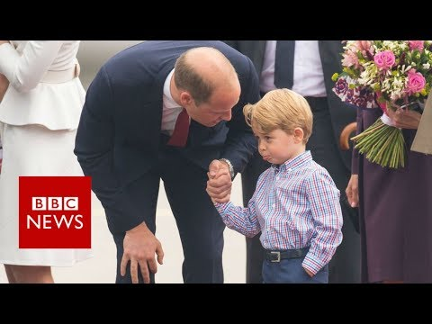 Prince George reluctantly leaves plane in Warsaw- BBC News