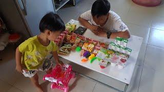 Tin và anh Hai chơi trò bé đi siêu thị mua đồ ăn - Đồ chơi giỏ siêu thị cho bé | Kids Toy Media