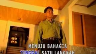 Download lagu Obbie Mesakh Tiada Nama Seindah Namamu Mp3