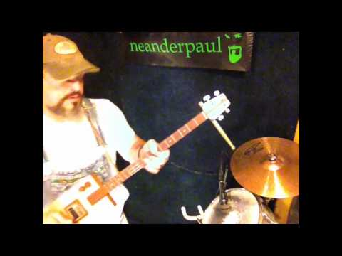neanderpaul live looping Festiva lifting II cigar box guitar