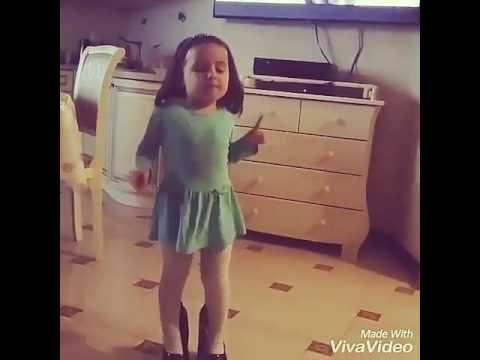 Остановите Вите Надо выйти, мать его))) девочка танцует под эту песню!