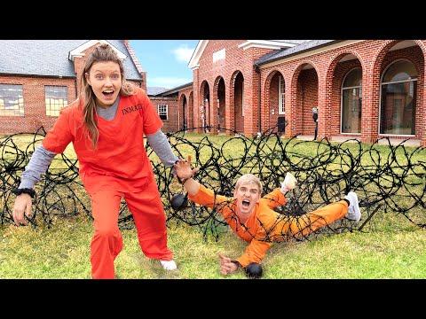 TRY to ESCAPE GAME MASTER PRISON!! (Backyard Obstacle Course Challenge)