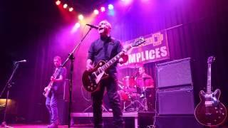 preview picture of video '3CÓMPLICES - Gasolinera Rock (vídeo oficial)'