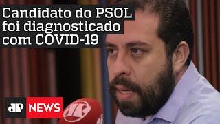 Candidato à Prefeitura de SP Guilherme Boulos aparece na sacada de casa