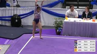 Ginasta quebra duas pernas em competição nos Estados Unidos