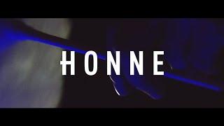 Смотреть онлайн Клип HONNE - Loves The Jobs You Hate