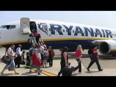 Ryanair – Wizzair: «Καμπάνες» για τις χειραποσκευές