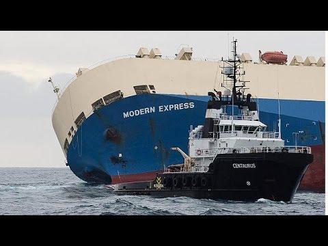 Επιτυχώς εξελίσσεται η ρυμούλκυση του φορτηγού πλοίου που είχε πάρει κλίση
