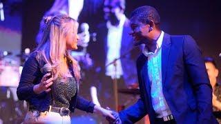 David Leiva Cantó Con Karina La Princesita En La Cena De U.T.H.G.R.A