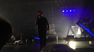Chvrches - God's Plan (live at O2 Academy, Birmingham, UK) (CONTAINS STRONG LIGHTING)