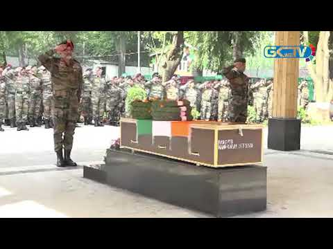 Army pays tribute to paratrooper killed in Shopian