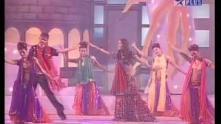 Priyanka Chopra Concert Lal Dupatta Jery Srk 11