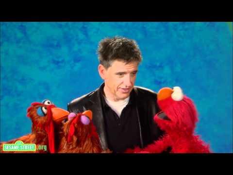 Craig Ferguson And Elmo Conduct The Cutest Experiment Ever