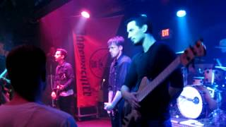 Taproot - Mirror's Reflection - Live @ Wally's Pub