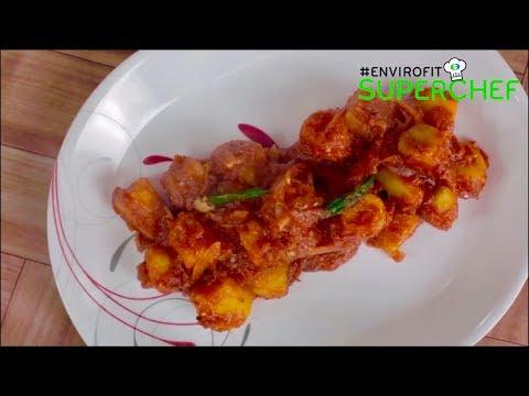 How to make Matoke ya rojo (Plantains in tomato sauce) | Chef Ali Mandhry