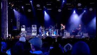 [05] THEM CROOKED VULTURES - New Fang live @ Reading 2009  HQ 16 9.flv
