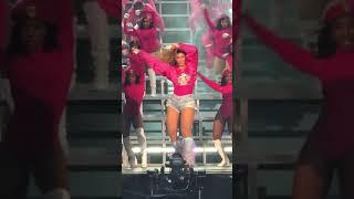 Beyoncé Swagsurf, Diva, Everybody Mad Live at Coachella