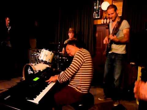 Paul Robbert Band tijdens Kansas Music Night 2010