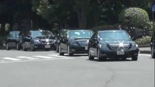 8月15日終戦の日安倍総理大臣車列