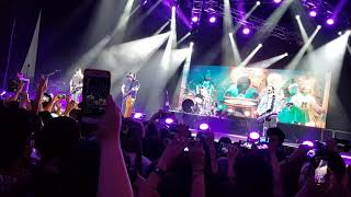 Stay Frosty Royal Milk Tea (60 FPS) - Fall Out Boy Live in Singapore 2018 (The Rock-afire Explosion)