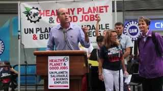 Sierra Club Gives Props to Labor @ the Climate March
