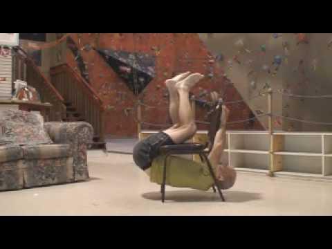 Prosta sztuczka z krzesłem