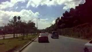 preview picture of video 'BOGOTA BAJO EL SOL, POR LA AVENIDA BOYACA HACIA EL SUR DESDE LOS LAGARTOS.mp4'