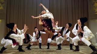 """Молдавский шуточный танец """"Табакеряска"""". ГААНТ имени Игоря Моисеева."""