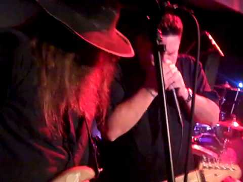 209Productions Video Blog Y&T & DAM W AMBUSH LIVE AT THE FAT CAT