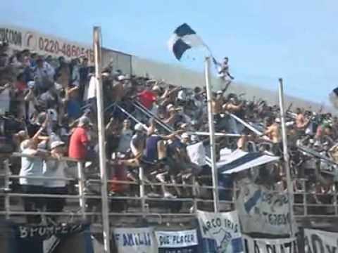 """""""La Banda Del Parque"""" Barra: La Banda del Parque • Club: Deportivo Merlo"""