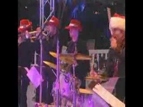Bette Midler - Cool Yule - Christmas Radio