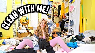 Cleaning My Closet! *I'm embarrassed* | Vlogmas Day 14-16
