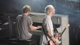 5 Seconds of Summer Girls Talk Boys - Sounds Live Feels Live, Madison Square Garden, NYC 7/15/2016