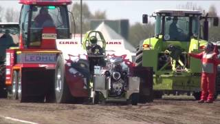 preview picture of video 'Green Monster + Fighter @ Füchtorf 2013 Tractor Pulling by MrJo'