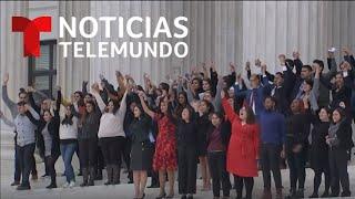 Así salieron los dreamers de la Corte Suprema tras audiencia sobre DACA | Noticias Telemundo