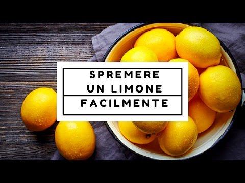Come spremere un limone con le mani senza fare fatica (e ricavandone più succo del normale)