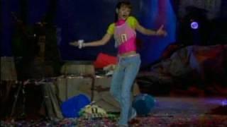 Danna Paola - Amy La Nina De La Mochila Azul - Chiquita pero picosa