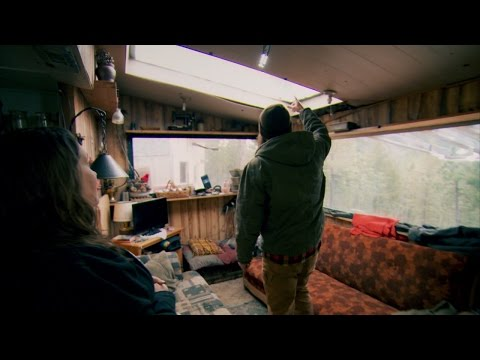 Video trailer för Wild Cat Crossing | Homestead Rescue