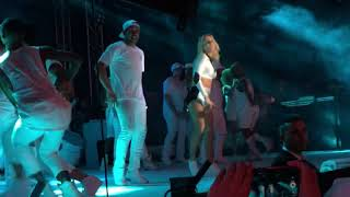 Claudia Leitte - Locomotion Batucada/Corazon/We are one - San sebastian 8 anos