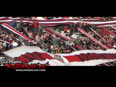 """""""Esa locura que siento por vos no se compara con nada, River en Parque Patricios, Clausura 2009"""" Barra: Los Borrachos del Tablón • Club: River Plate • País: Argentina"""